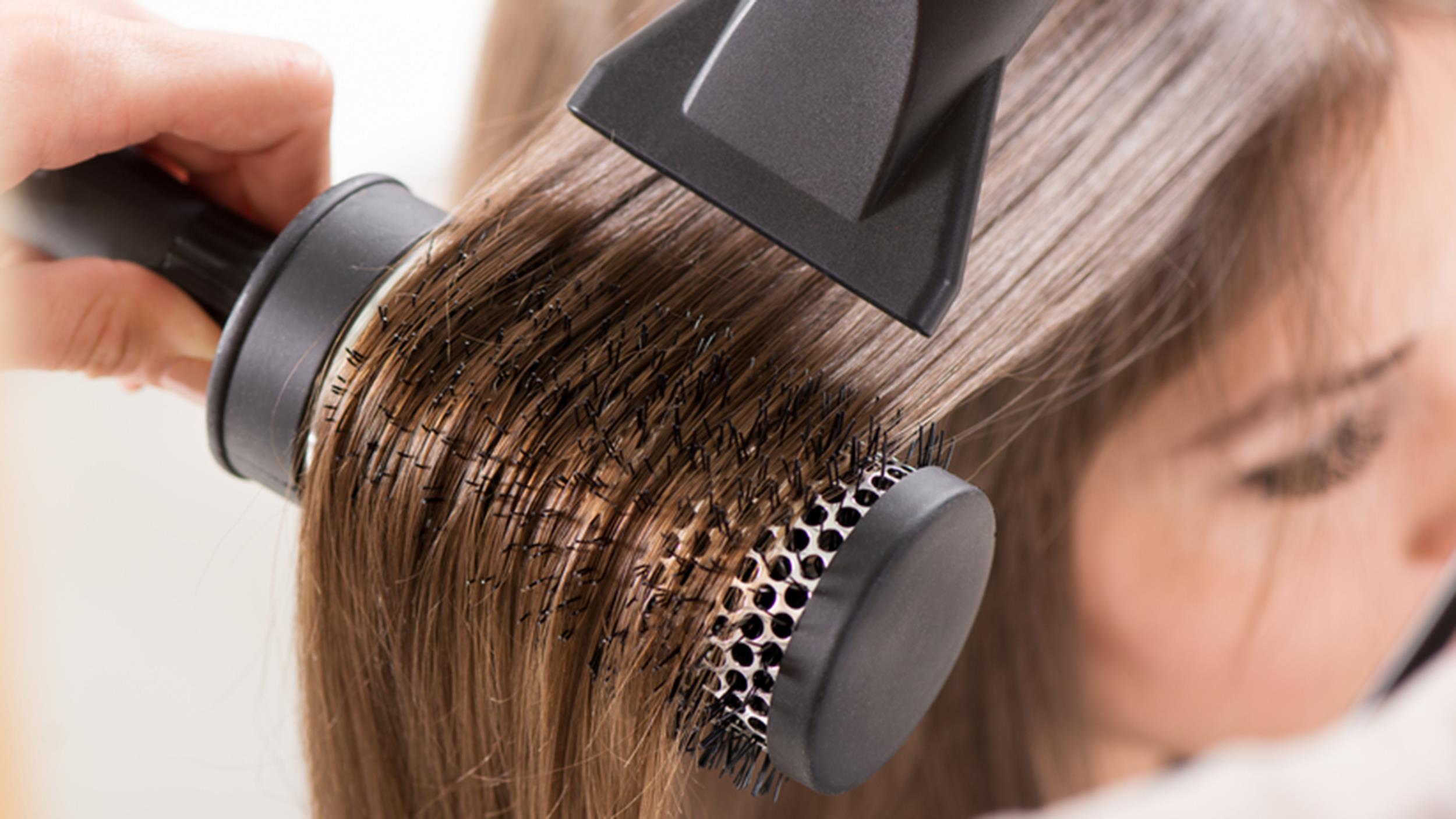 Как сделать укладку волос на брашинг