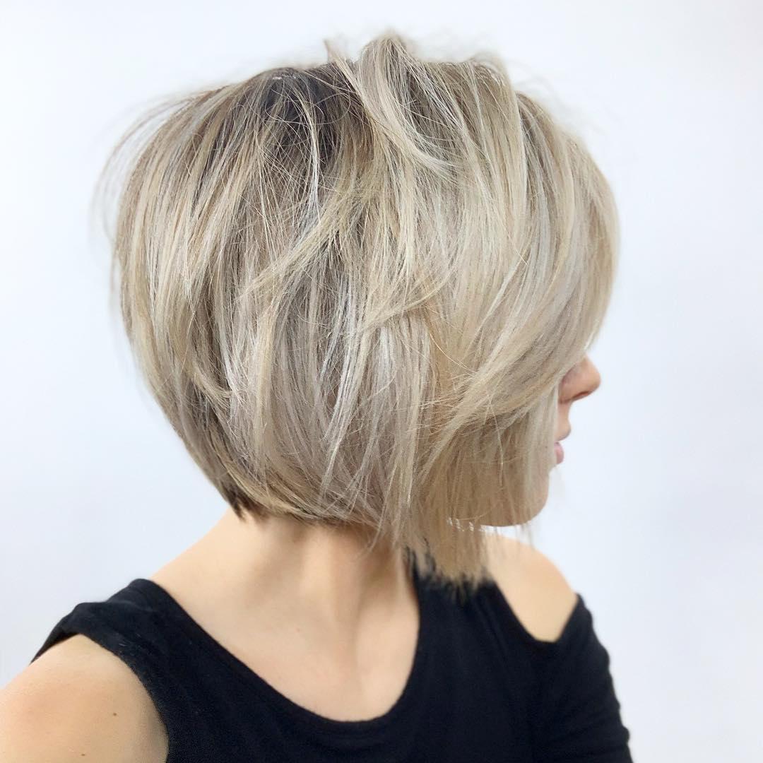 короткие стрижки для густых и прямых волос фото 14