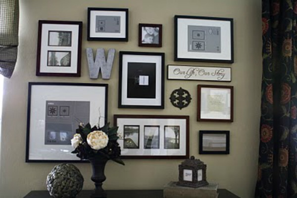 Wall-gallery-with-framed-photos-2