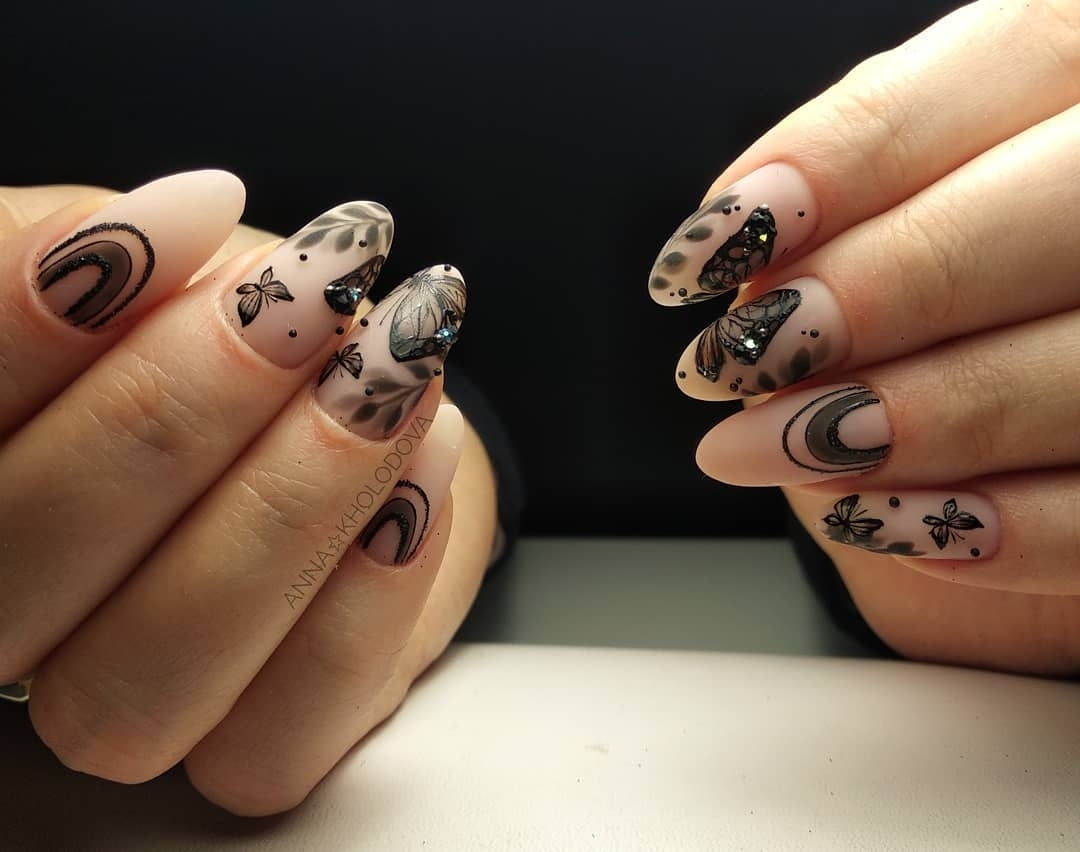 бабочки на ногтях фото_4