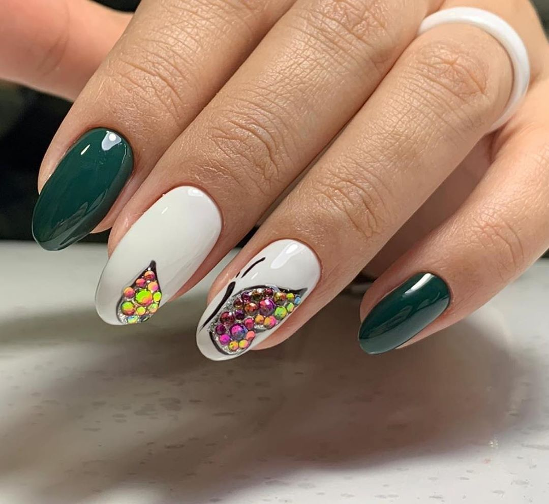 бабочки на ногтях фото_26