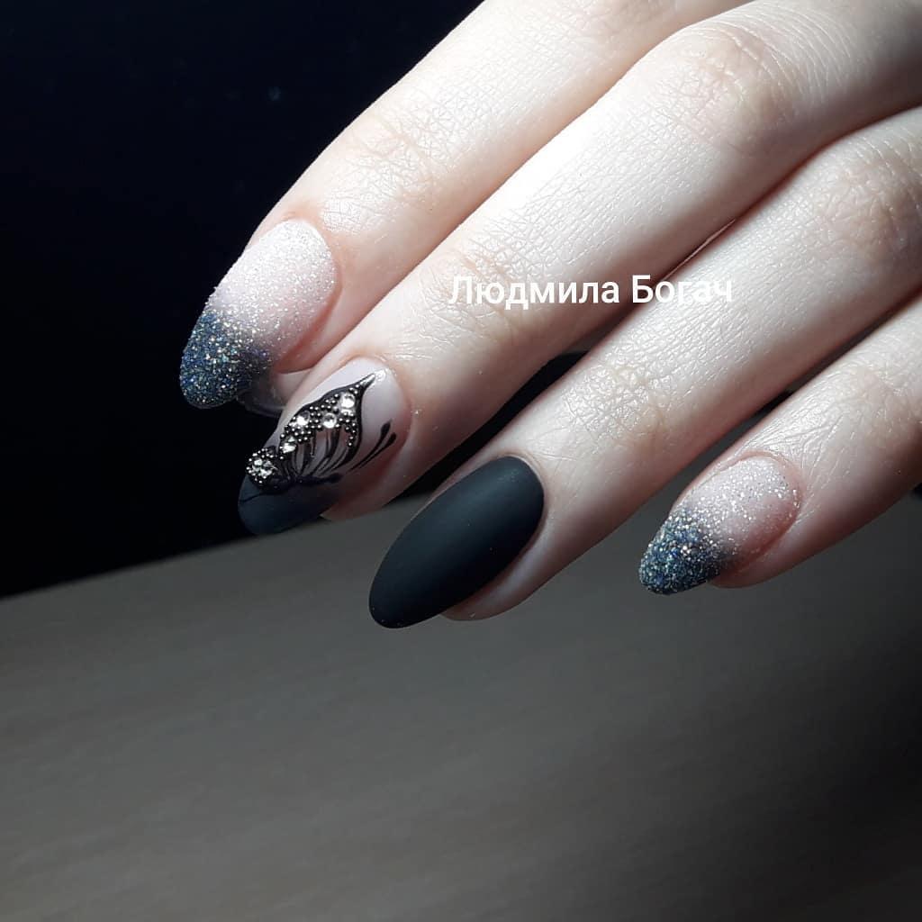 бабочки на ногтях фото_1