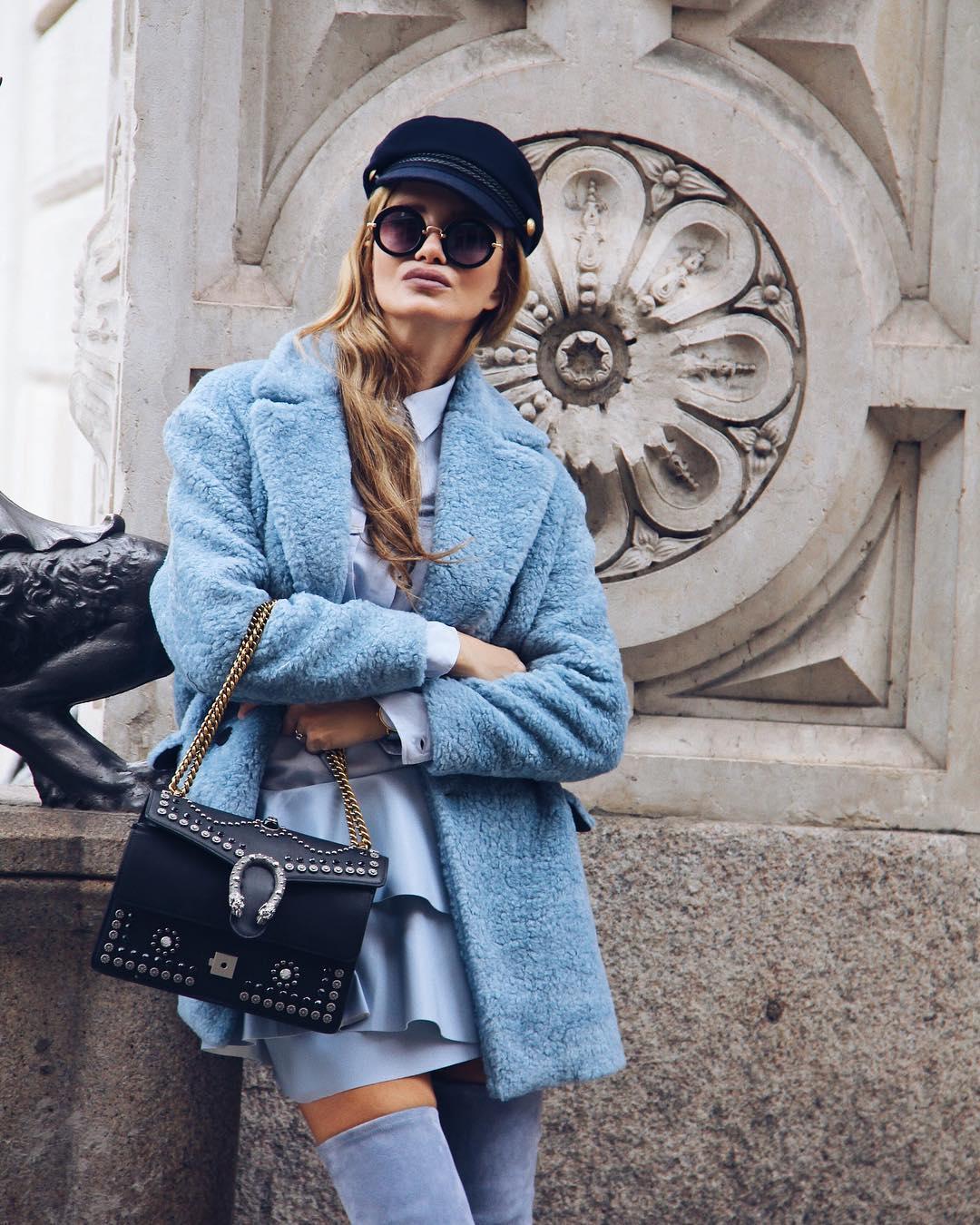 Голубое пальто фото 1