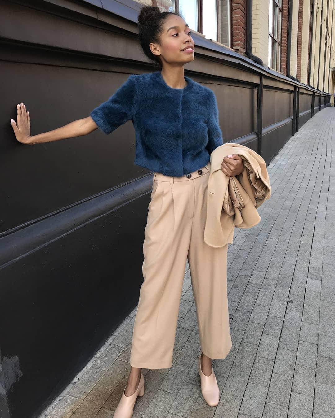 С чем носить широкие брюки фото 1