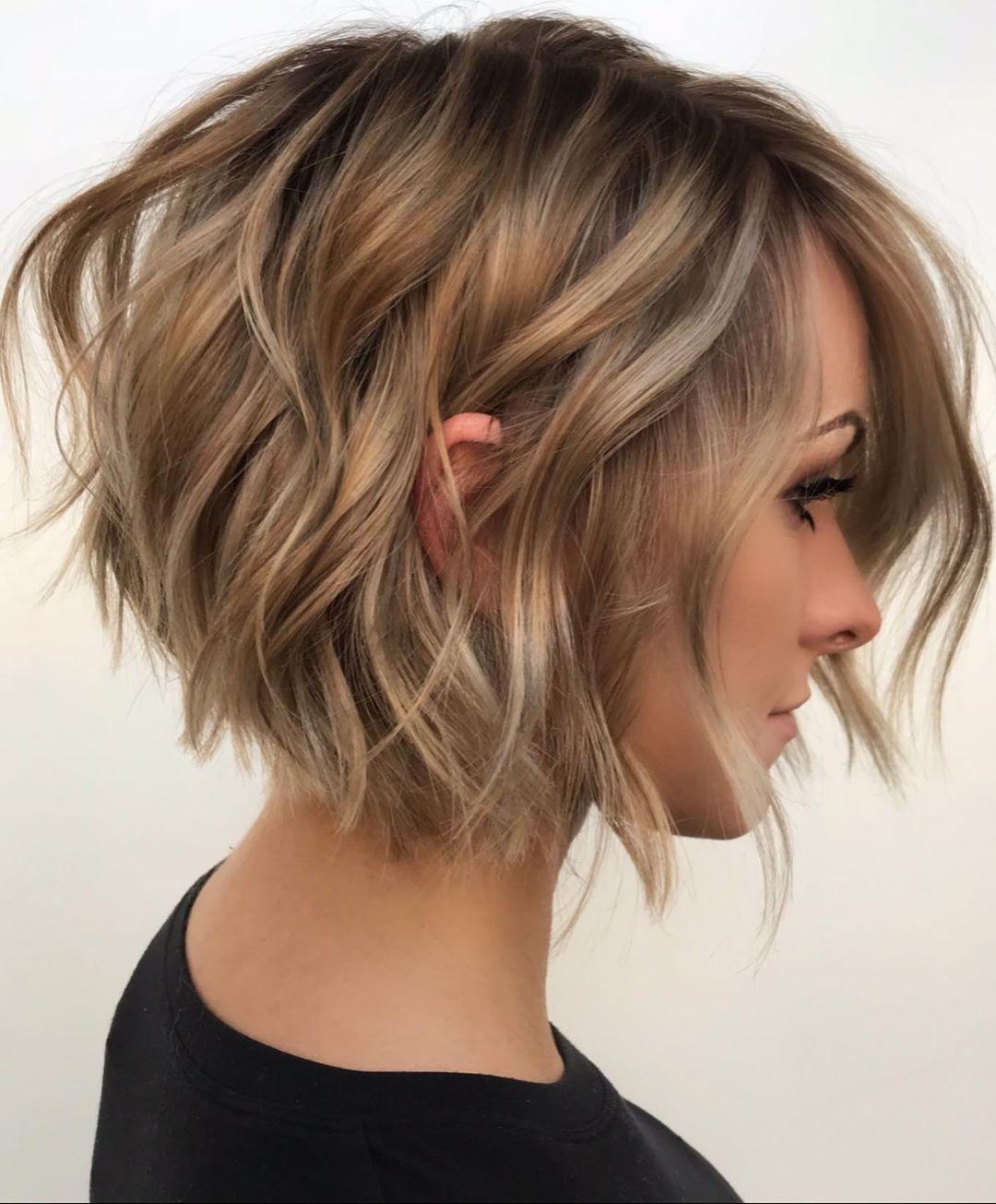 стрижка боб на волнистые волосы фото 4