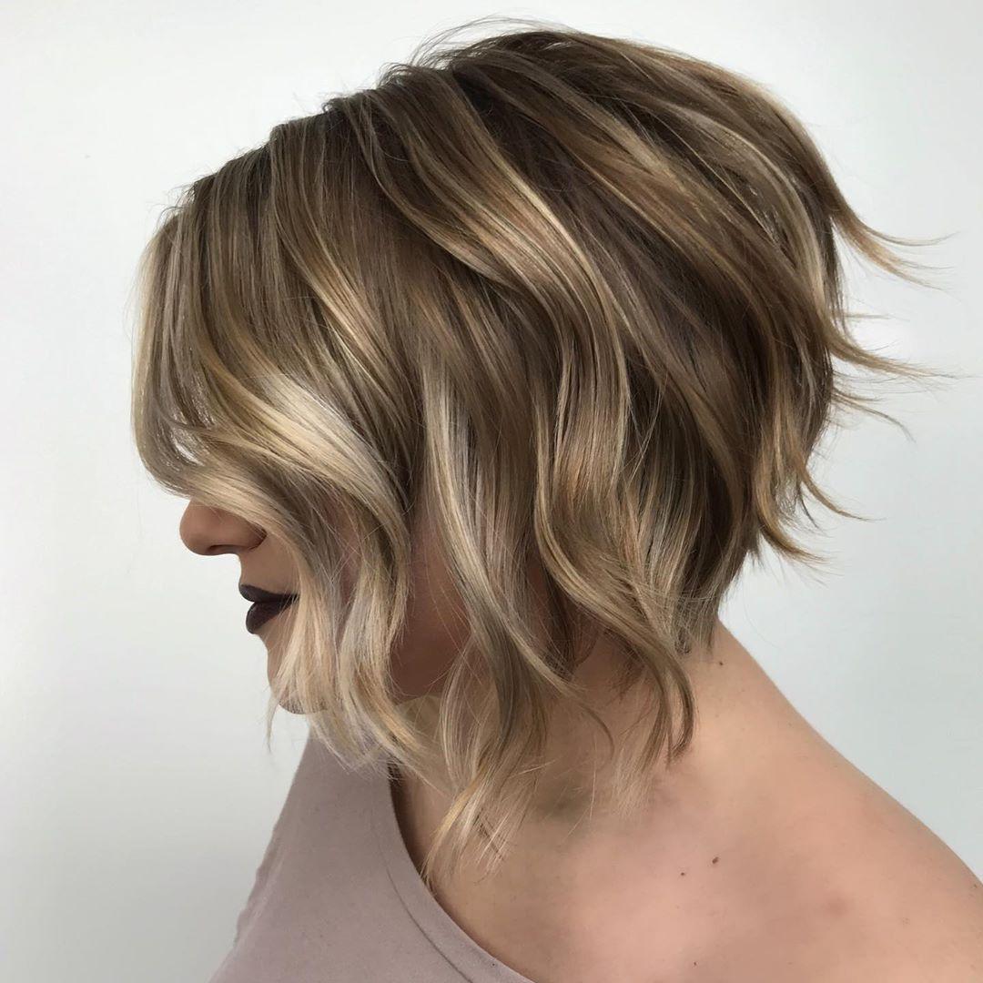 стрижка боб на волнистые волосы фото 2