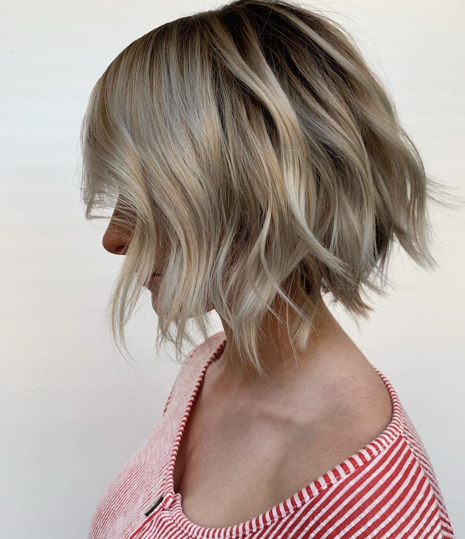 стрижка боб на волнистые волосы фото 8