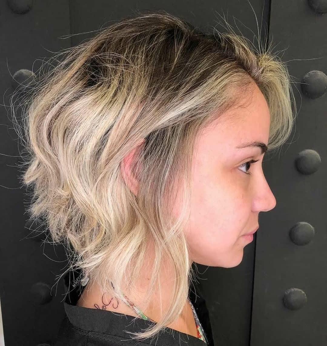 стрижка боб на волнистые волосы фото 13