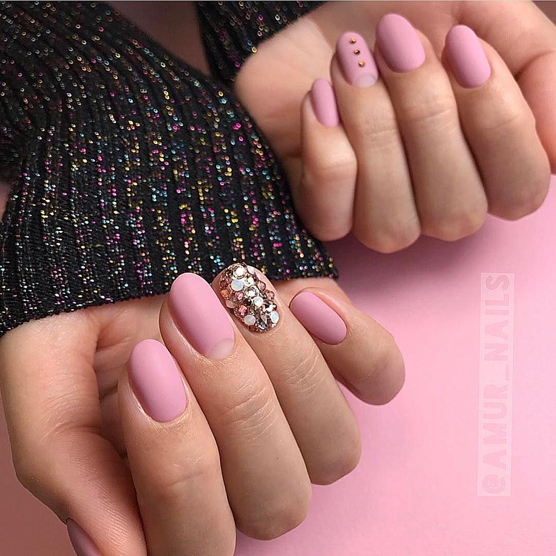 Матовые короткие ногти фото 49