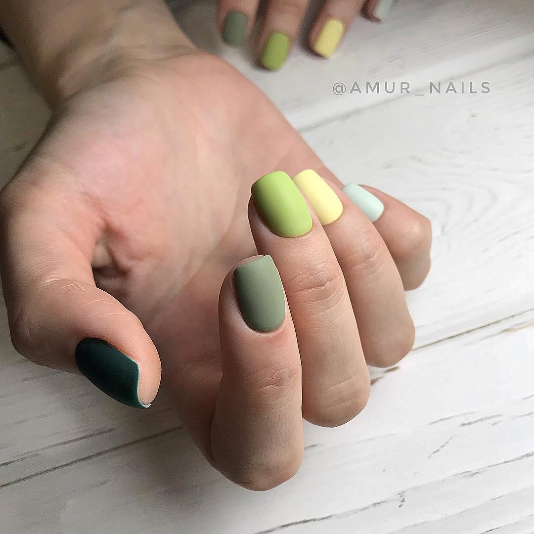 Матовые короткие ногти фото 51