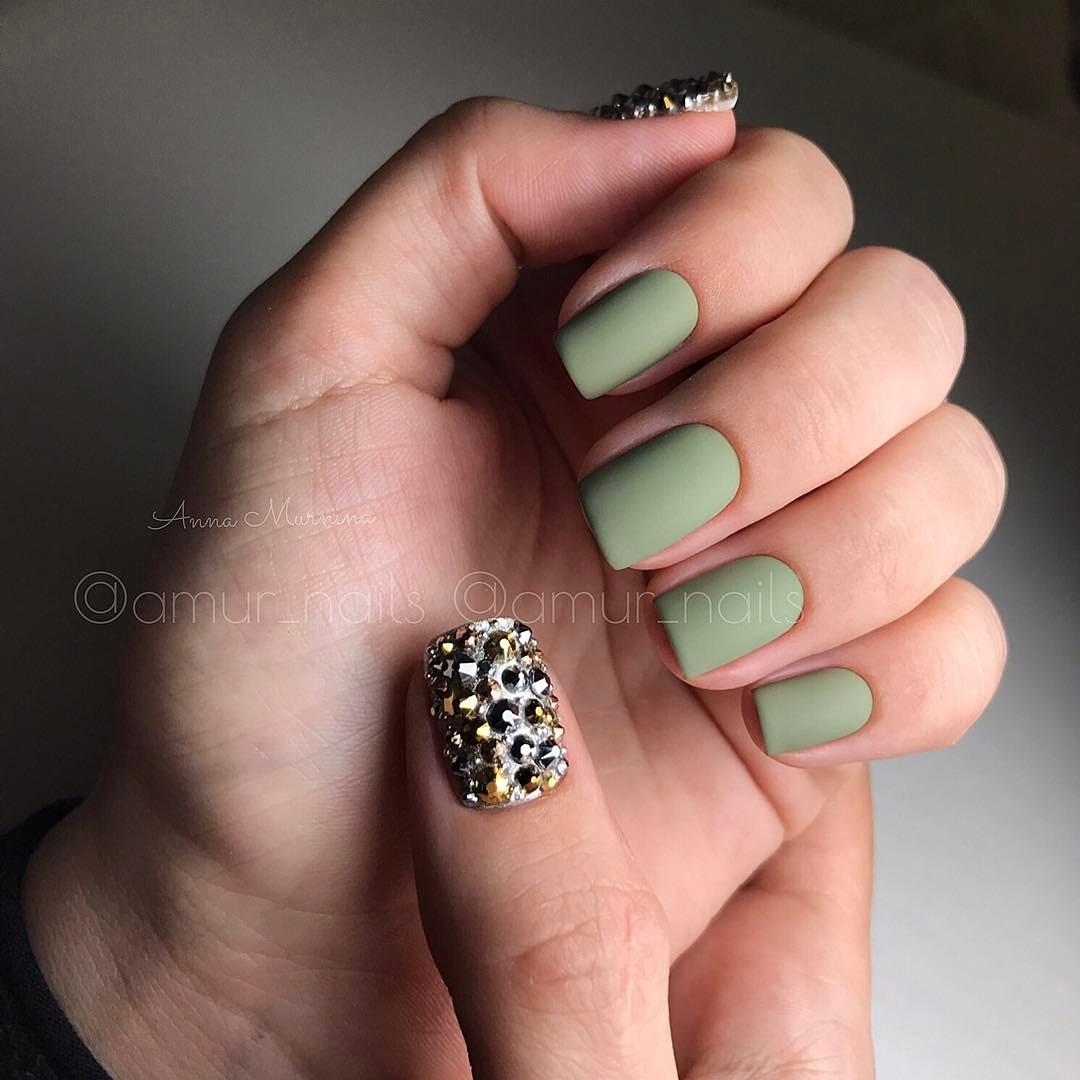 Матовые короткие ногти фото 52