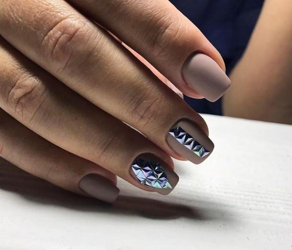 Матовые короткие ногти фото 42