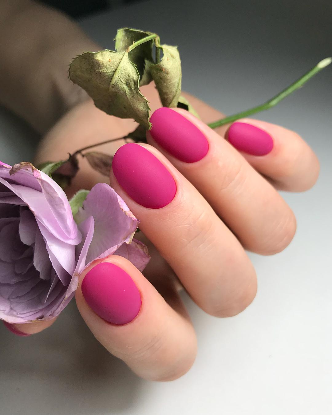 Матовые короткие ногти фото 37