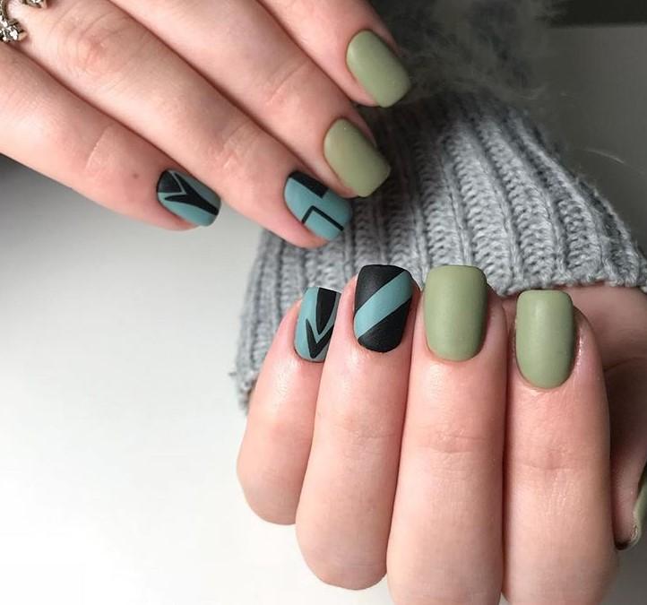Матовые короткие ногти фото 36