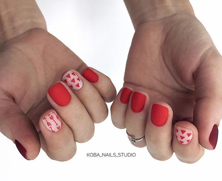 Матовые короткие ногти фото 32