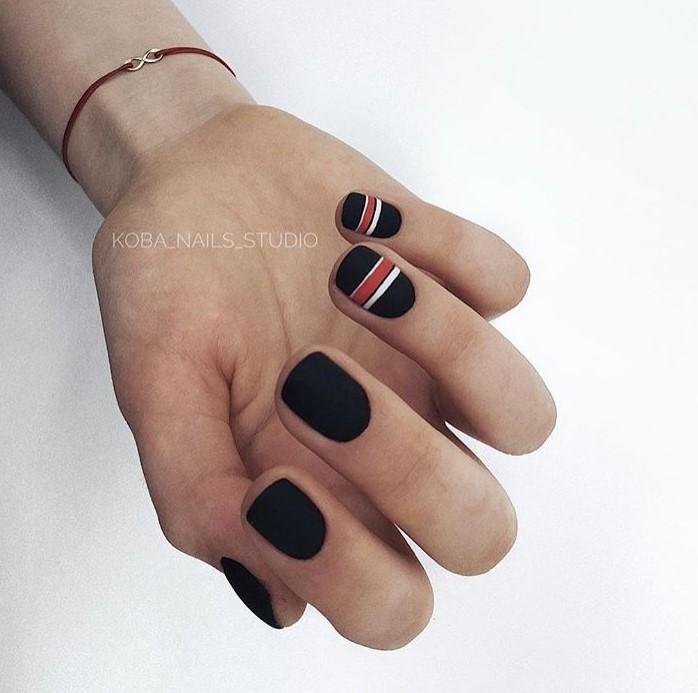 Матовые короткие ногти фото 2