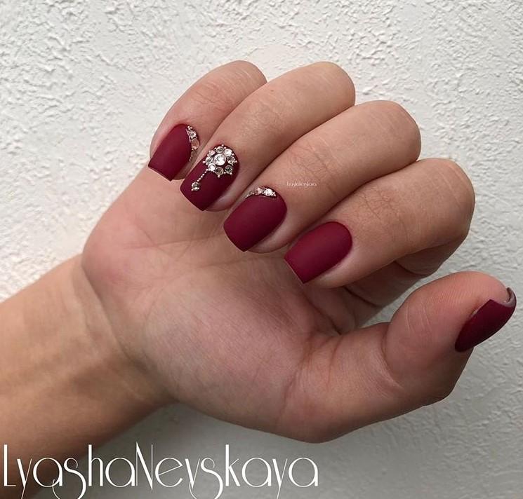 Матовые короткие ногти фото 26
