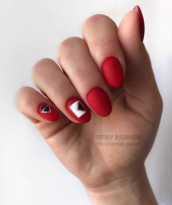 Матовые короткие ногти фото 21