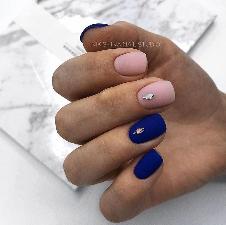Матовые короткие ногти фото 15