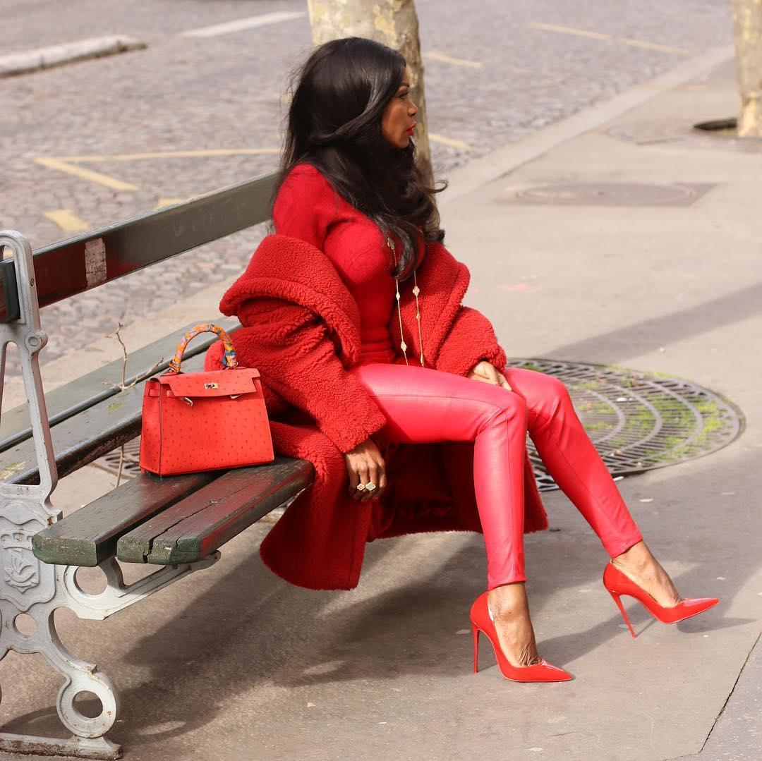 Красное пальто фото 6
