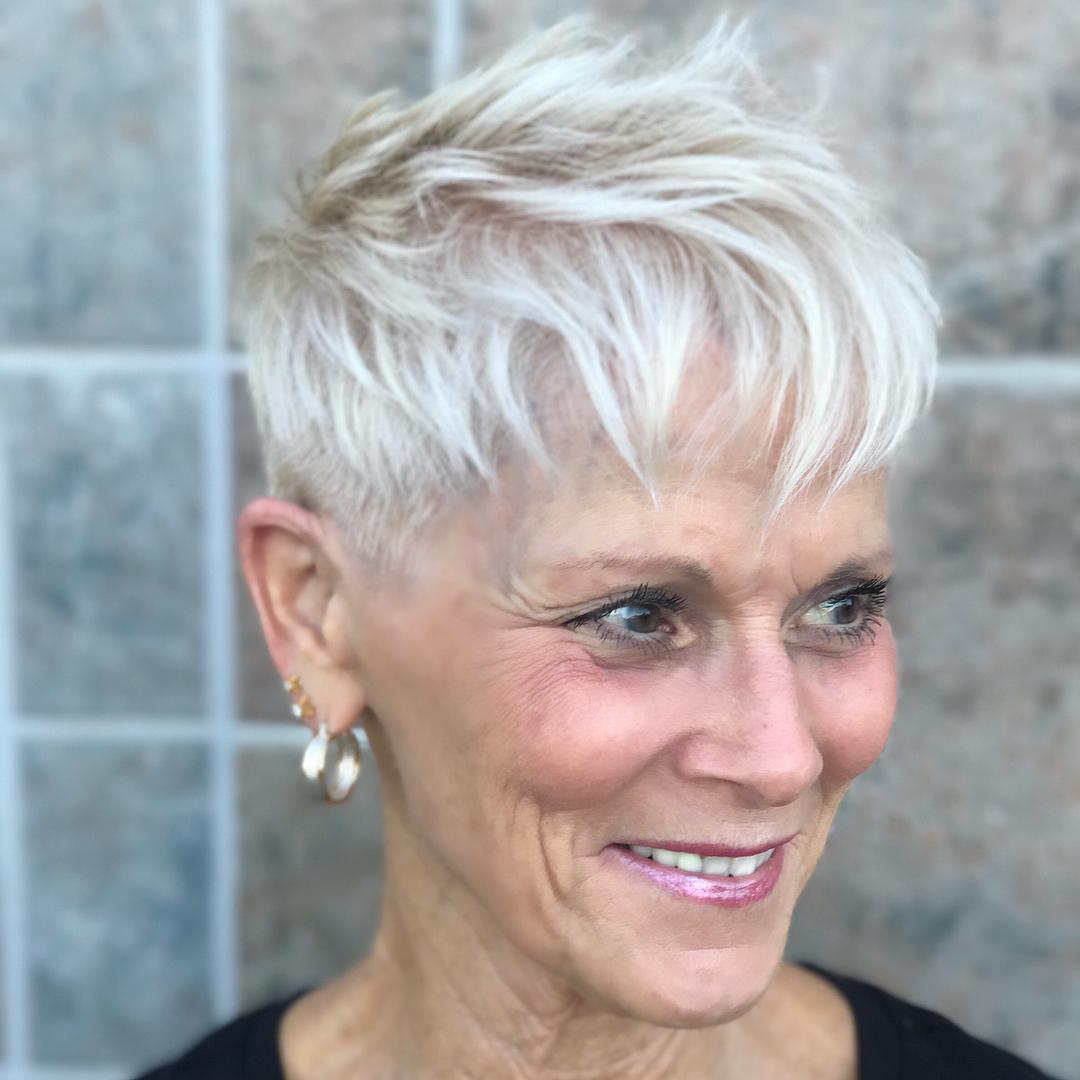 10 самых красивых коротких стрижек для женщин старше 60 лет