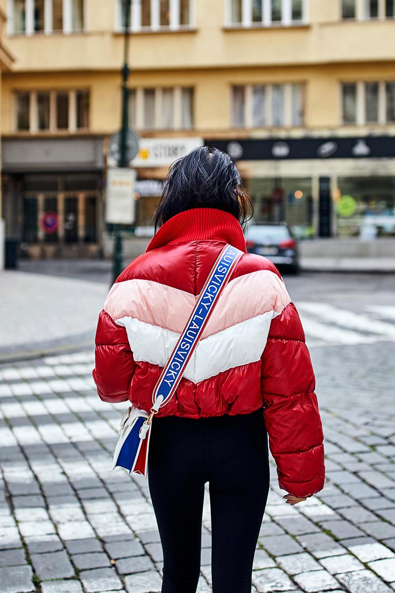 Красная куртка фото 12