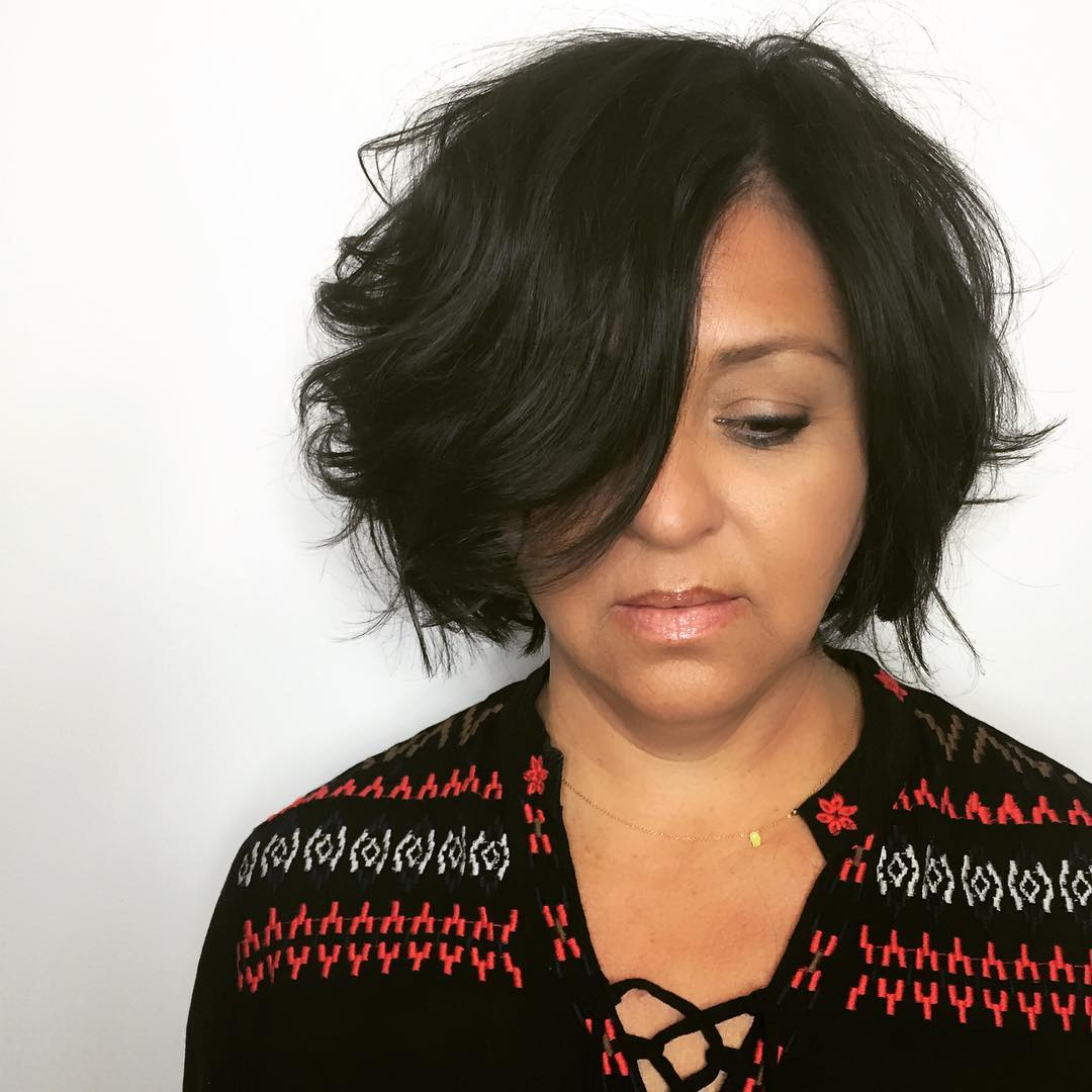 стрижки для женщин после 50 лет на разную длину волос фото 7