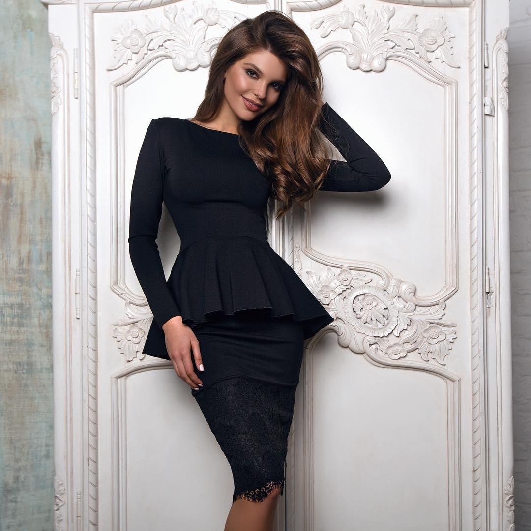 baad0a9b506bda4 Платье с баской 2018: 35 стильных образов ⋆ Страница 3 из 3