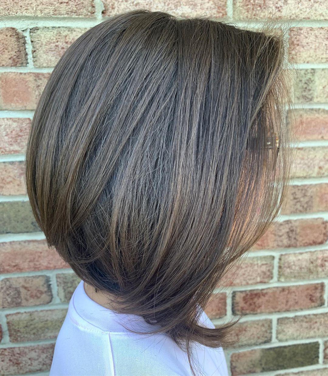 Стрижки после 60 лет для прямых волос фото 12