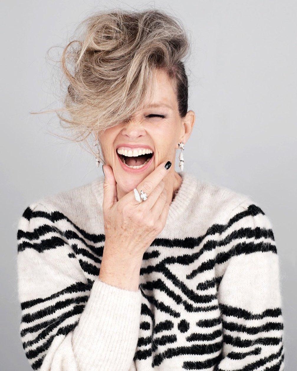 модные стрижки на короткие волосы для женщин 40 лет фото 7