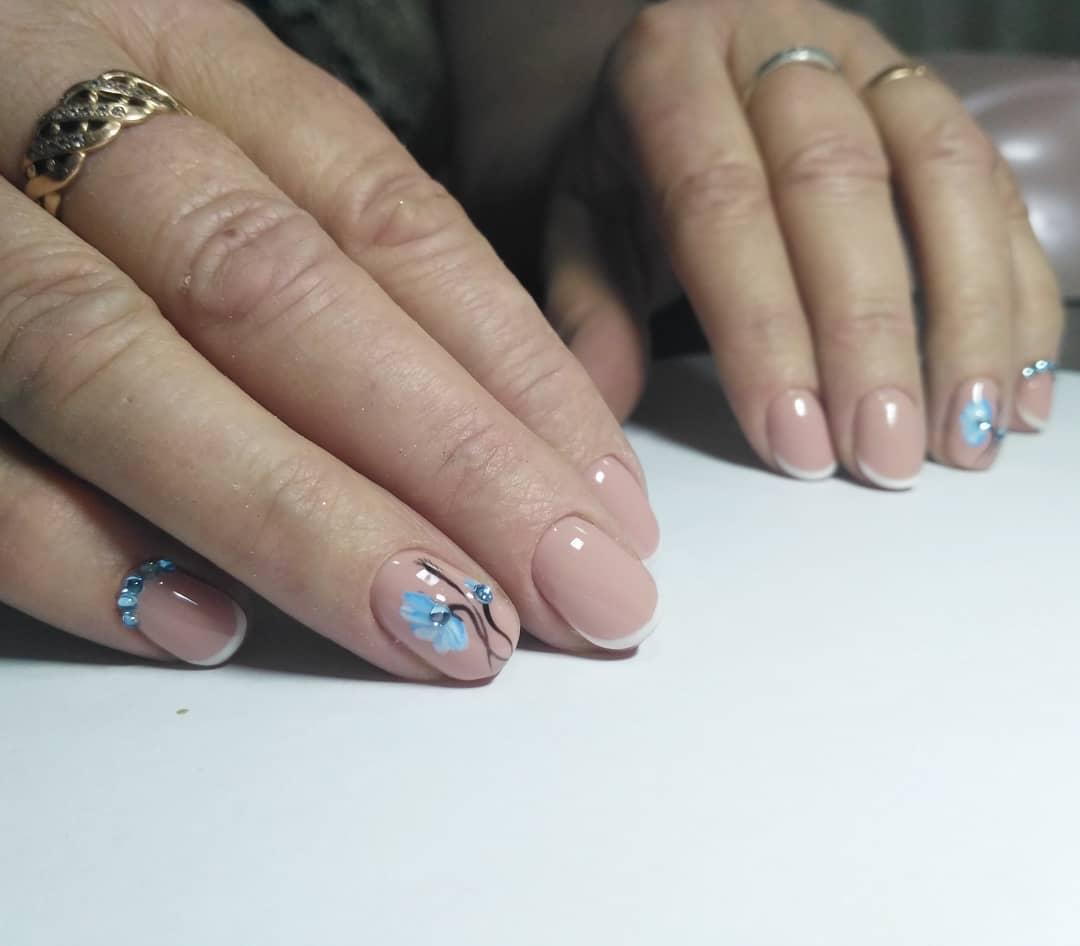 Французский маникюр на короткие ногти_95