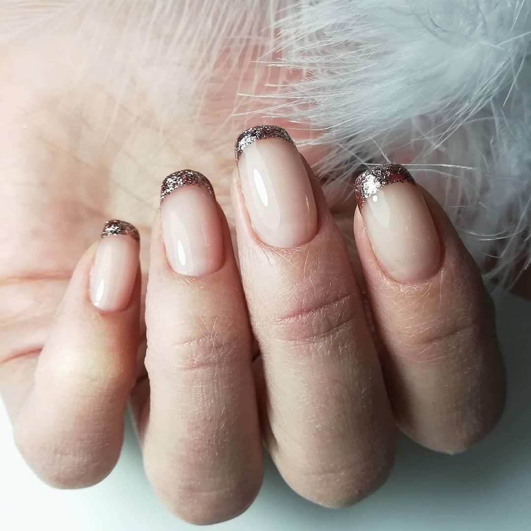Французский маникюр на короткие ногти_42