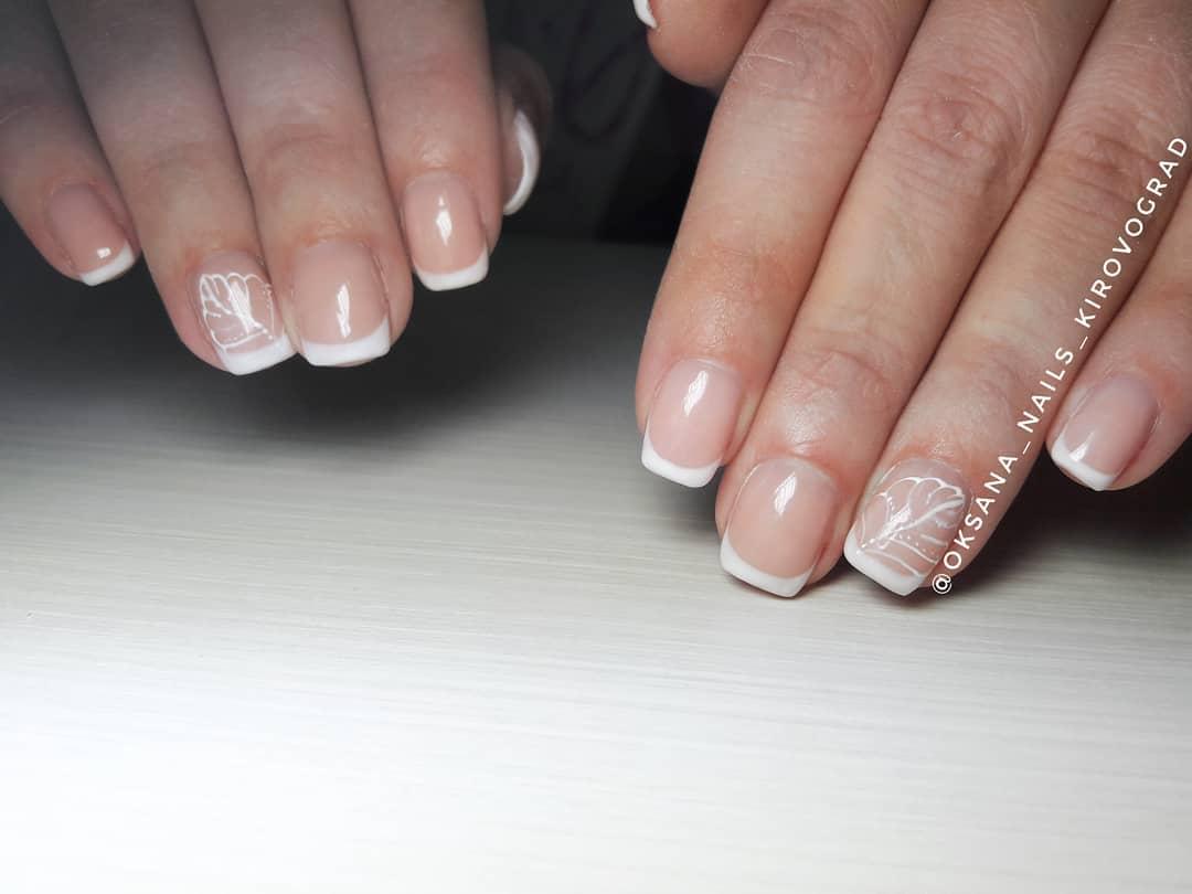 Французский маникюр на короткие ногти_103