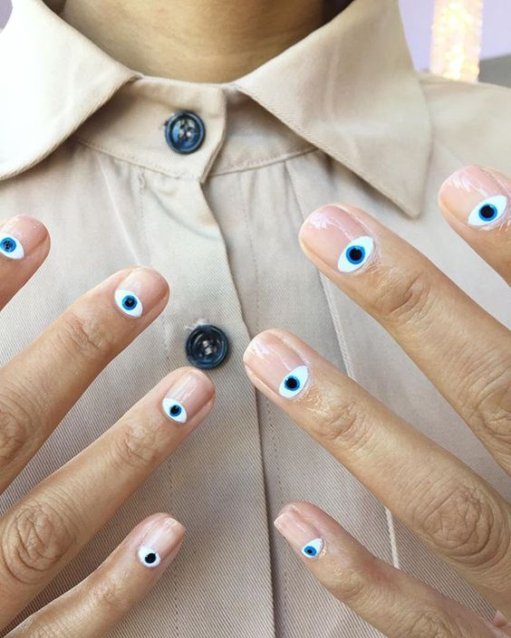 глаза и лица на ногтях фото 8