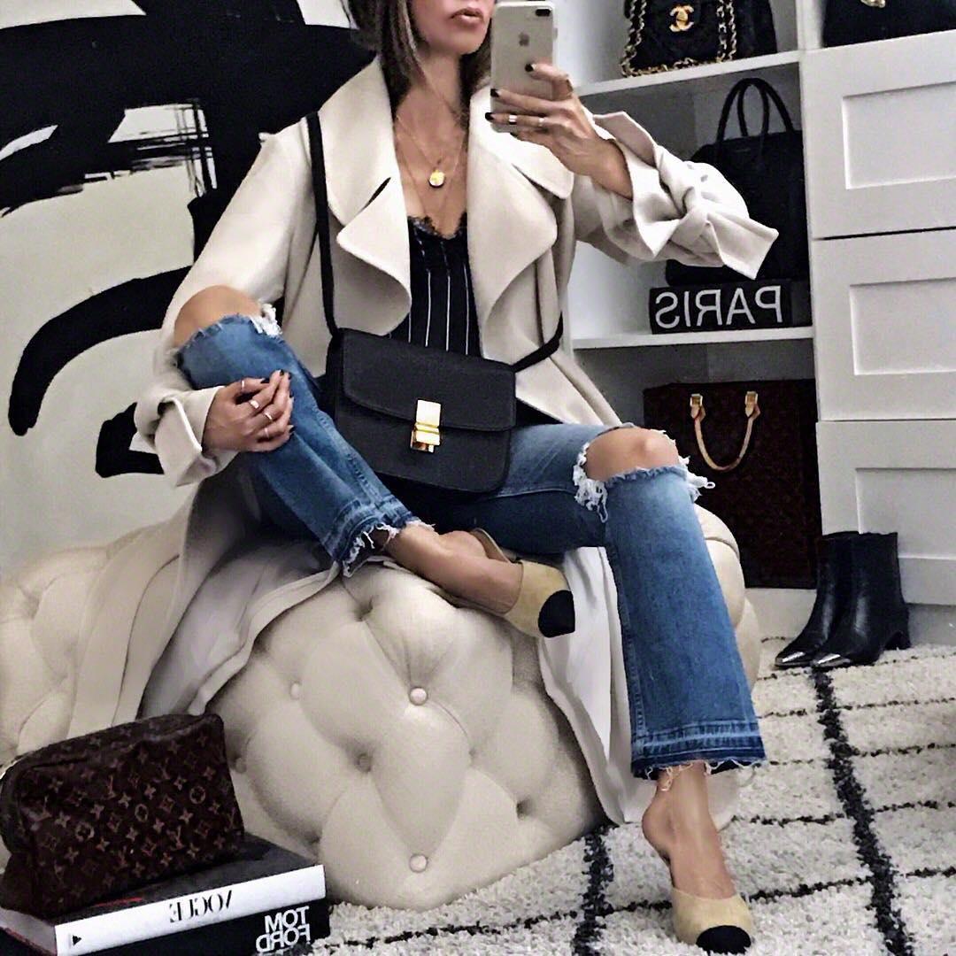 как стильно носить рваные джинсы осенью 2019 фото 9