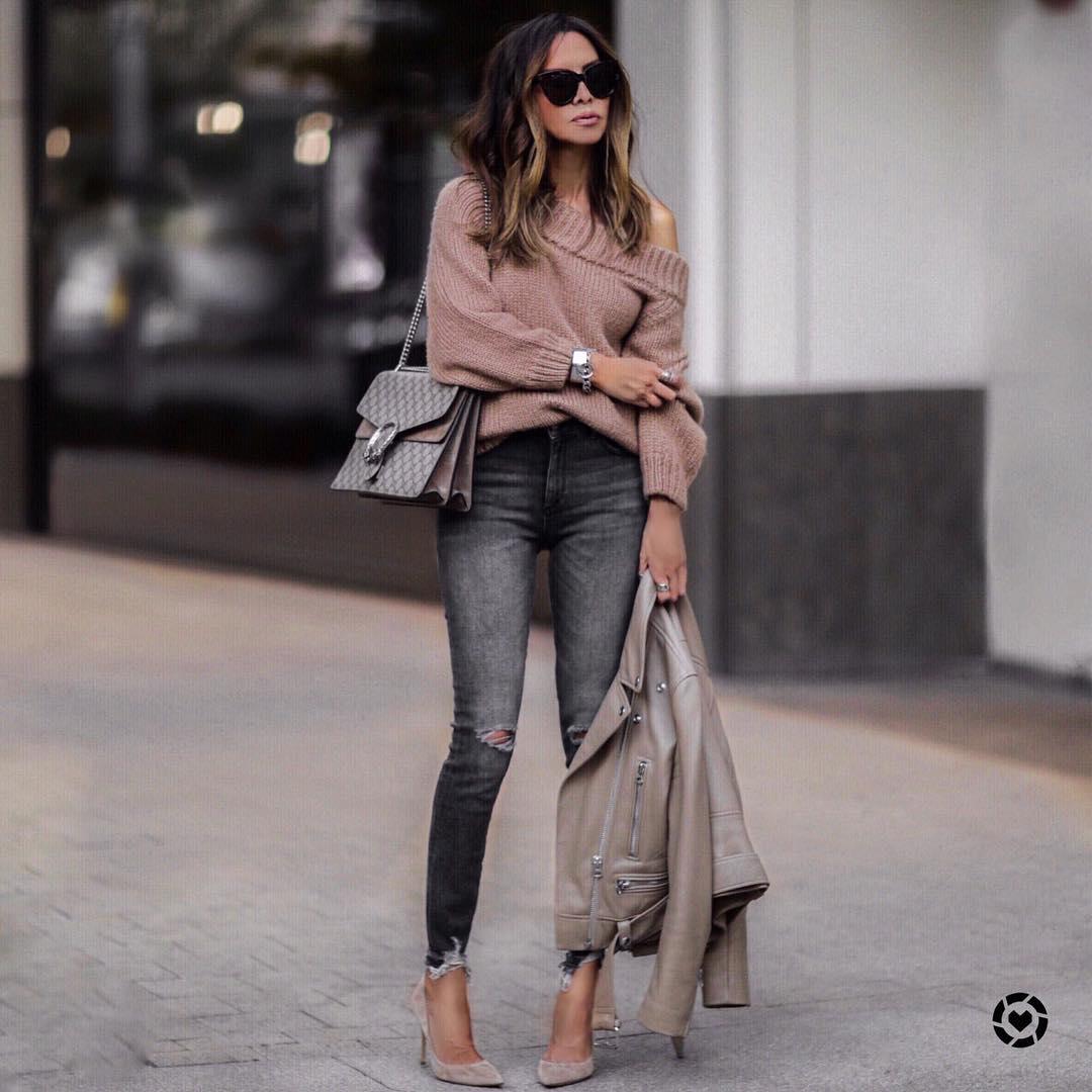 как стильно носить рваные джинсы осенью 2019 фото 12
