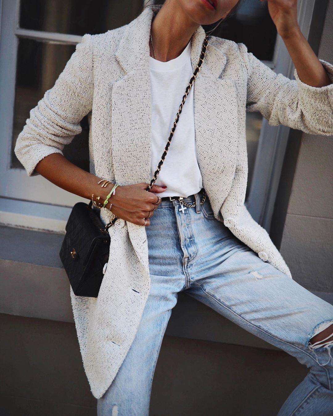 как стильно носить рваные джинсы осенью 2019 фото 19