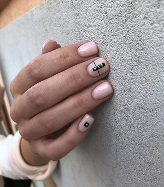 Светлый маникюр на коротких ногтях 2018-2019 фото 9