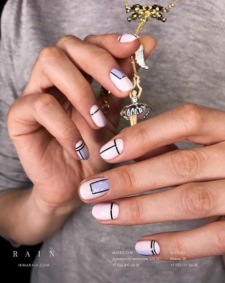 Светлый маникюр на коротких ногтях 2018-2019 фото 26