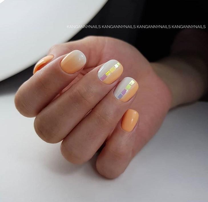 Светлый маникюр на коротких ногтях 2018-2019 фото 66