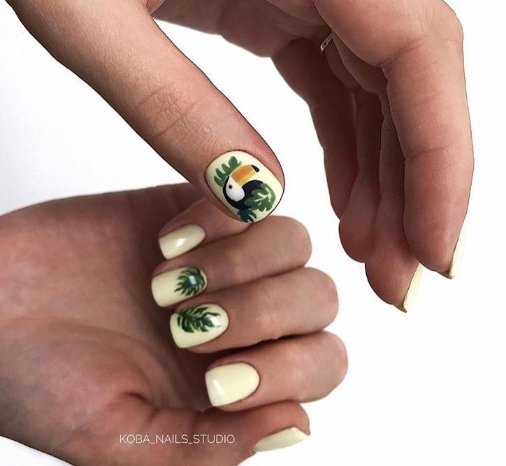 Светлый маникюр на коротких ногтях 2018-2019 фото 39