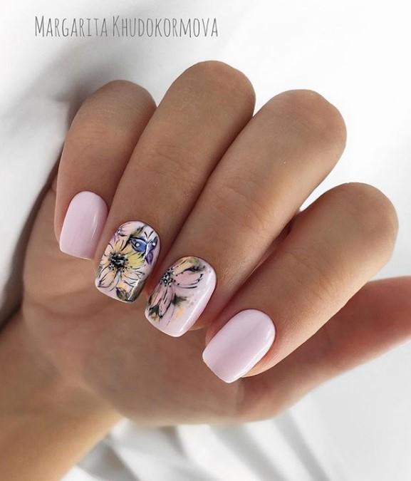 Светлый маникюр на коротких ногтях 2018-2019 фото 18