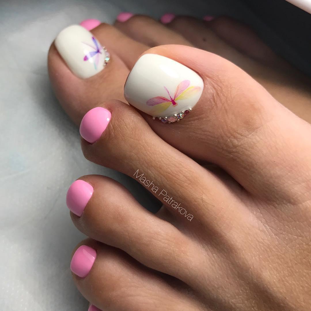Розовый педикюр 2018-2019 фото 20