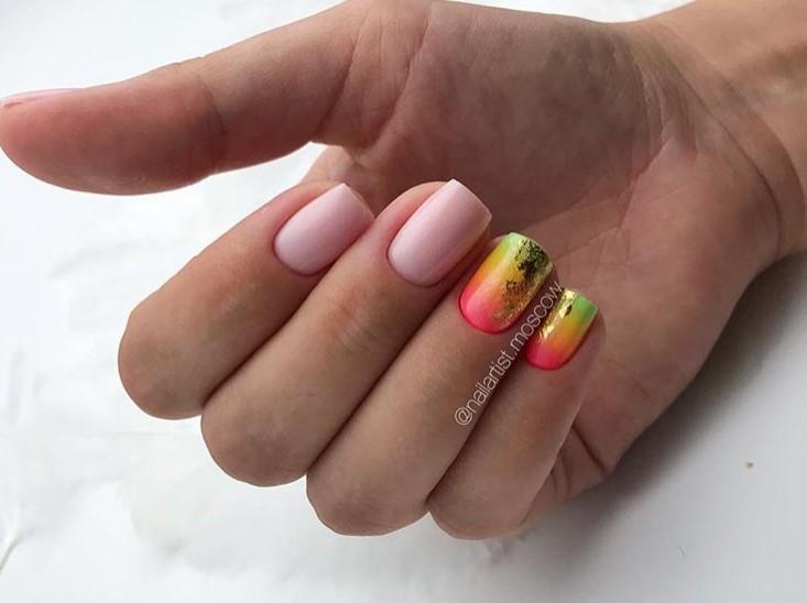 Светлый маникюр на коротких ногтях 2018-2019 фото 14