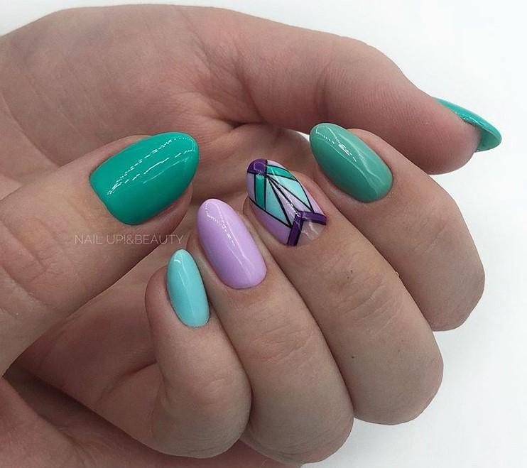 Геометрический маникюр на овальные ногти фото 3
