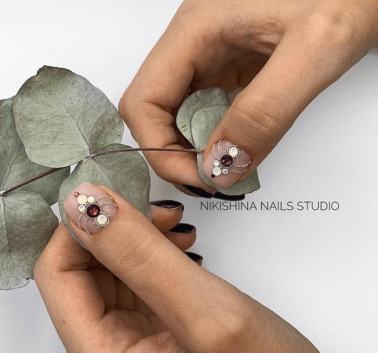 Светлый маникюр на коротких ногтях 2018-2019 фото 2
