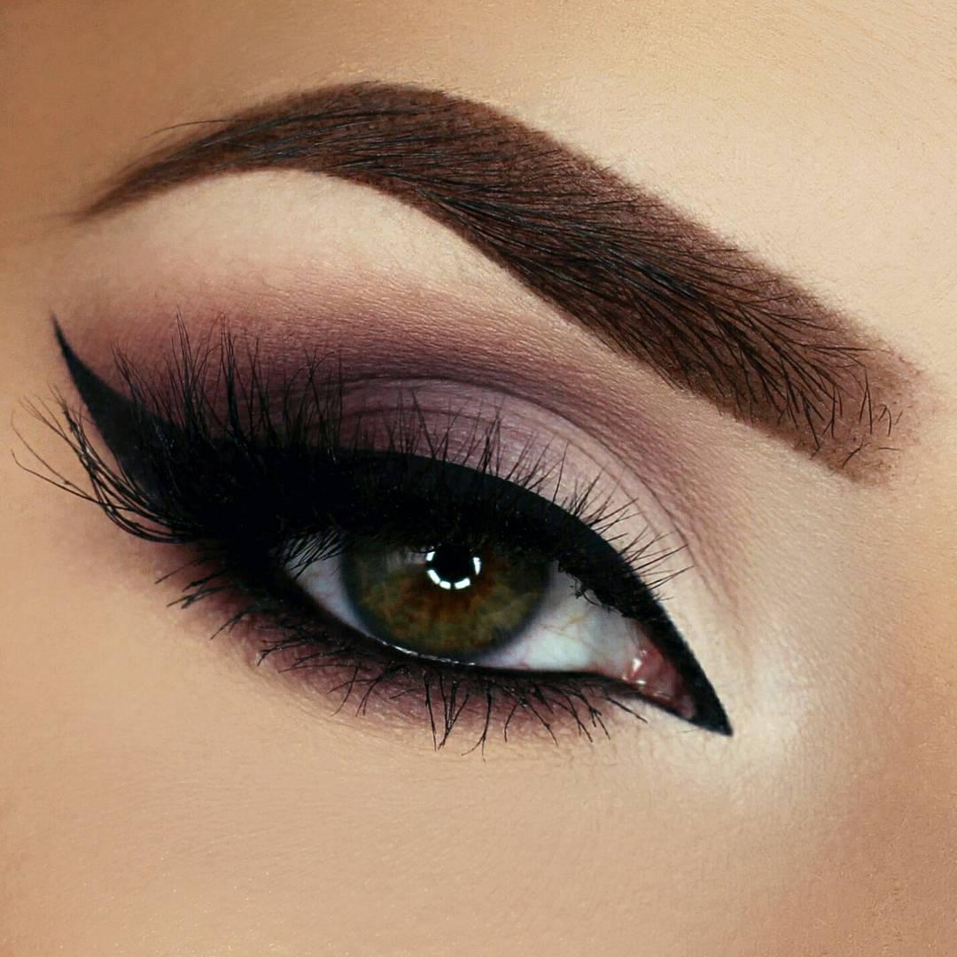 Макияж глаз уголок — техника, делающая взгляд на 50 эффектнее в 2019 году