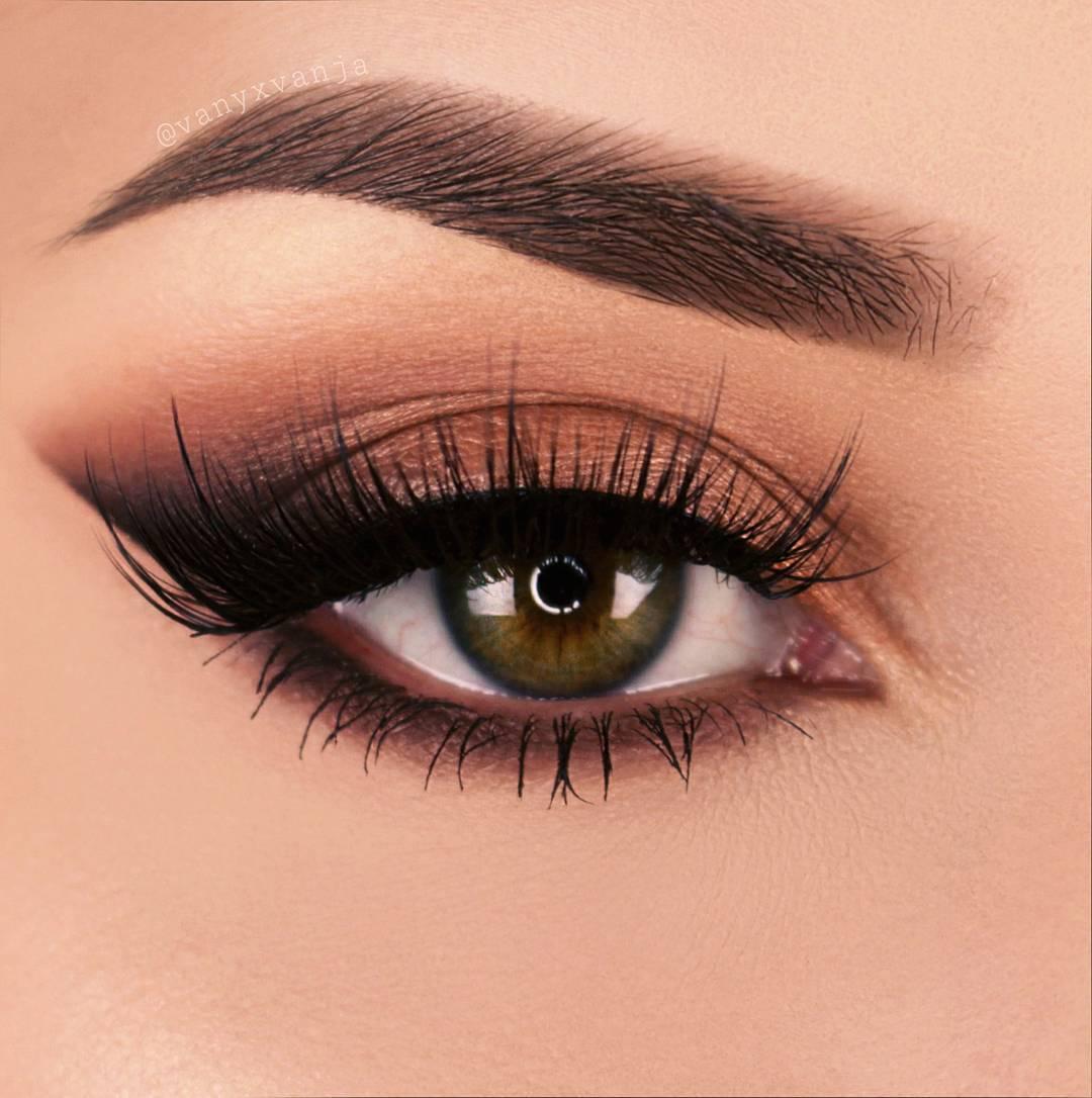 Макияж глаз уголок — техника, делающая взгляд на 50 эффектнее изоражения