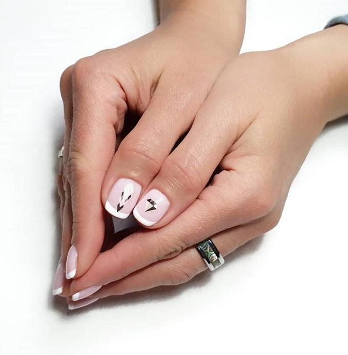 рисунки на коротких ногтях фото 11