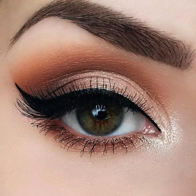 Макияж с персиковыми тенями и стрелками thumbnail